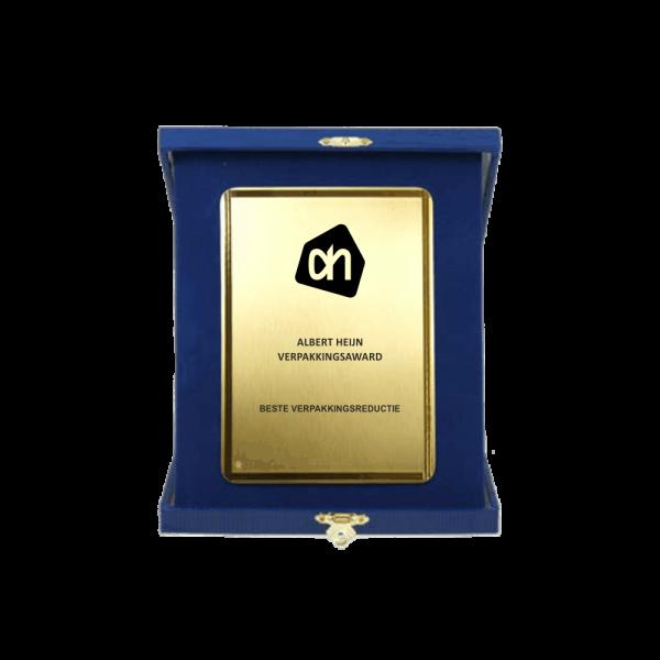 Blauw met gouden plaquette